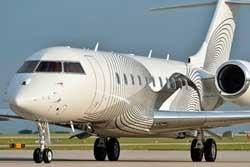 Duncan Aviation paints a Bombardier Global