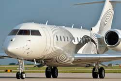 Duncan Aviation paints a Bombardier Global