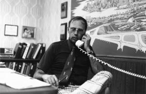 Ron-Hall-phone-call